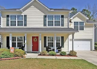 Foreclosed Home en CULLODEN DR, Summerville, SC - 29483