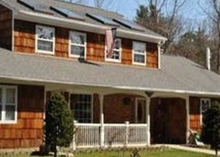 Foreclosed Home en MOUNT SINAI CORAM RD, Coram, NY - 11727