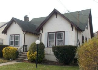 Foreclosed Home en GALWAY AVE, Saint Albans, NY - 11412