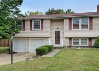 Foreclosed Home en LORRAINE DR, Strongsville, OH - 44149
