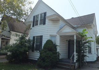 Foreclosed Home en E 55TH ST, Cleveland, OH - 44105
