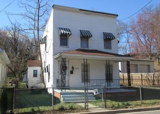 Foreclosed Home en LARCHMONT AVE, Capitol Heights, MD - 20743