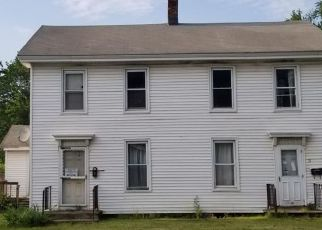 Foreclosed Home en BURRSTONE RD, New York Mills, NY - 13417
