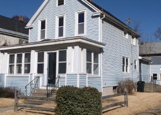 Foreclosed Home en CHESTNUT ST, Rensselaer, NY - 12144