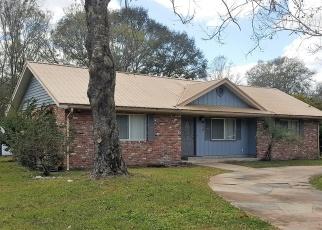 Foreclosed Home en WOODLAWN ST, Starke, FL - 32091