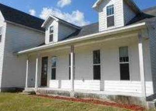 Foreclosed Home in HUNTING LODGE DR, Saint Cloud, FL - 34772