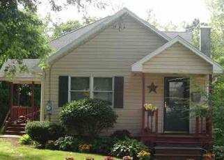 Foreclosed Home en DELAWARE AVE, Delmar, NY - 12054