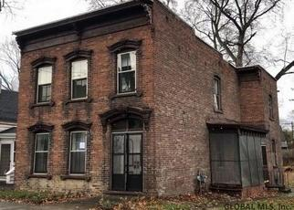 Foreclosed Home en BALL PL, Watervliet, NY - 12189