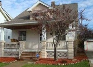 Foreclosed Home en E 111TH ST, Cleveland, OH - 44125