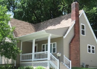 Foreclosed Home en STOWELL AVE, Alton, IL - 62002