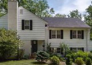 Foreclosed Home in HUNTING RIDGE RD, Greenwich, CT - 06831