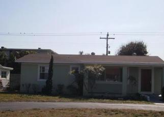 Foreclosed Home en ALICE DR, Lake Worth, FL - 33461