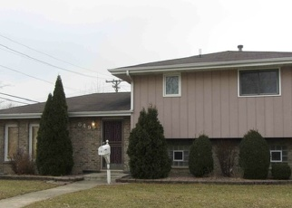 Foreclosed Home en GREENBAY AVE, Calumet City, IL - 60409