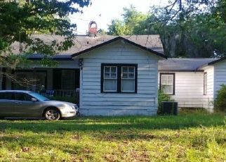 Casa en ejecución hipotecaria in Hilliard, FL, 32046,  LAKE HAMPTON RD ID: P1216444