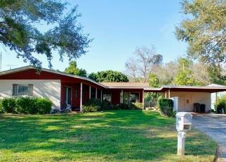 Foreclosed Home en W LAKE BUCKEYE DR, Winter Haven, FL - 33881