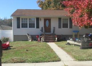 Foreclosed Home en TURNWOOD DR, Glen Burnie, MD - 21061