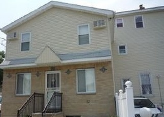 Foreclosed Home en 174TH PL, Jamaica, NY - 11434