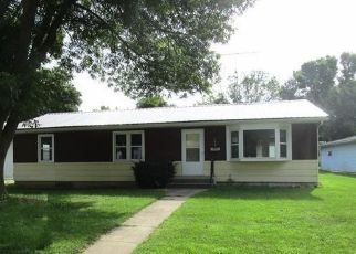 Foreclosed Home in 3RD AVE NE, Belmond, IA - 50421