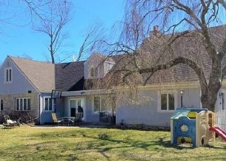 Foreclosed Home in CHANNEL RD, Woodmere, NY - 11598