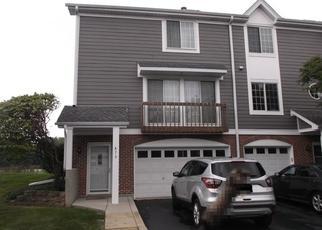 Foreclosed Home en W SAINT JOHNS PL, Palatine, IL - 60067
