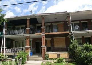 Foreclosed Home en CATHARINE ST, Philadelphia, PA - 19143