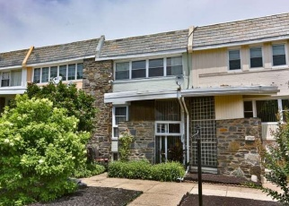 Foreclosed Home en W COUNTRY CLUB RD, Philadelphia, PA - 19131
