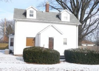 Foreclosed Home in E 1ST NORTH ST, Mount Olive, IL - 62069