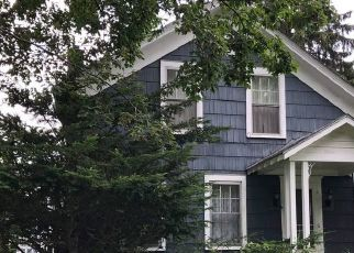 Foreclosed Home en RIVER ST, Queensbury, NY - 12804