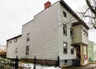Foreclosed Home en 1ST AVE, Watervliet, NY - 12189