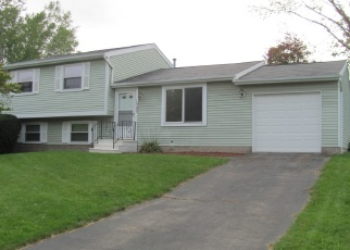 Foreclosed Home in WAKEROBIN CT, Walworth, NY - 14568