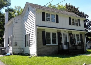 Foreclosed Home en HILL ST, Walden, NY - 12586
