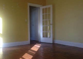 Foreclosed Home en 85TH DR, Richmond Hill, NY - 11418