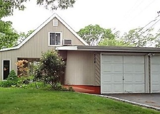 Foreclosed Home in SYCAMORE LN, Islandia, NY - 11749