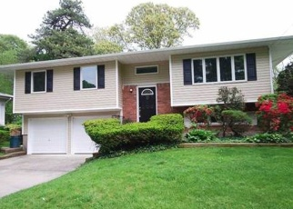Foreclosed Home en LENORE LN, Centereach, NY - 11720