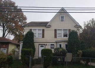 Foreclosed Home en GLADYS AVE, Hempstead, NY - 11550