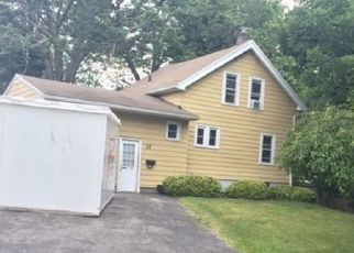 Foreclosed Home en CROSSFIELD RD, Rochester, NY - 14609