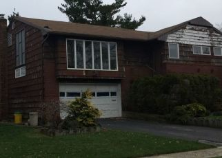 Foreclosed Home en WOODMERE DR, Valley Stream, NY - 11581