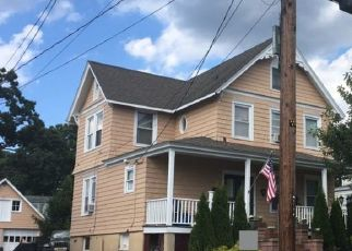 Foreclosed Home en IRENHYL AVE, Port Chester, NY - 10573