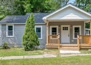 Foreclosed Home en PETTICOAT LN, Bloomingburg, NY - 12721