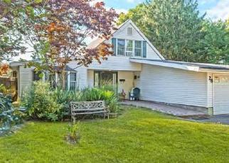 Casa en ejecución hipotecaria in Islandia, NY, 11749,  SNOWBERRY LN ID: P1225844