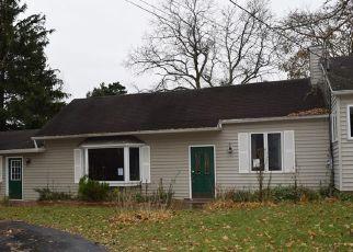 Foreclosed Home en MAPLE RIDGE RD, Medina, NY - 14103