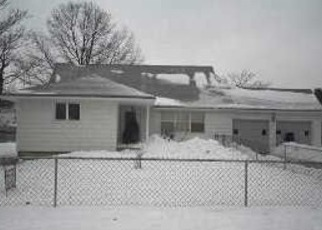 Foreclosed Home en WILSON BLVD, Central Islip, NY - 11722