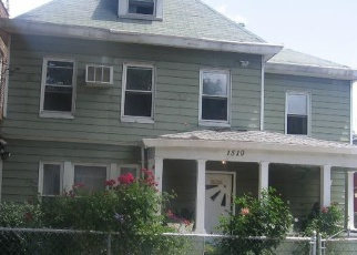 Foreclosed Home en GLOVER ST, Bronx, NY - 10462
