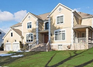 Foreclosed Home in SUNNYSIDE WAY, New Rochelle, NY - 10804