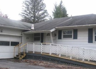 Foreclosed Home en GLENWOOD AVE, Queensbury, NY - 12804