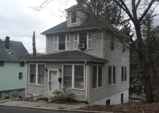 Foreclosed Home in HILLSIDE AVE, Staten Island, NY - 10304