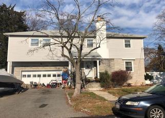 Foreclosed Home en PINTO ST, Babylon, NY - 11702
