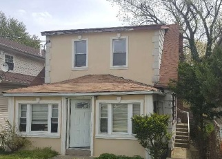 Foreclosed Home en 222ND ST, Springfield Gardens, NY - 11413