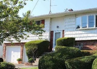 Foreclosed Home in HANCOCK ST, Brentwood, NY - 11717