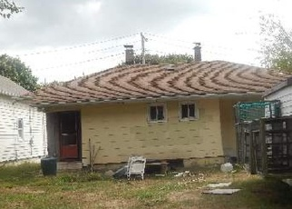 Foreclosed Home en LOCKWOOD RD, Bay Shore, NY - 11706